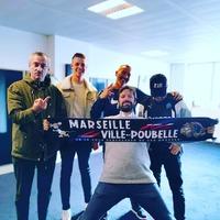 Une nouvelle fois un grand merci à notre Julien Cazarre national pour sa photo avec la nouvelle écharpe MARSEILLE POUBELLE, un vrai parisien qui le revendique et n'a pas peur de le montrer ! Force à toi Julien ! 🔴🔵👊 . #psg #paname #Paris #supporters #antiom #antimarseillais #echarpe #teampsg #lutecity
