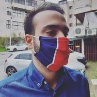 Bonne nouvelle les amis, les masques de protection UNS2 Normes AFNOR 100% Parisien sont disponibles sur le site comme en magasin ! 🔴🔵😷 . TAILLES : Adultes ou Enfants (+5ans) 👍 . UNS2 : Le masque a été testé en laboratoire spécialisé et possède une efficacité = 90% de protection 👍 . AFNOR : Le masque a été validé pour le marché français car conforme aux Normes Européennes 👍 . UTILISATION : Jusqu'à 25 fois. Lavage en machine à 60°c. Repassage possible 👍 . PRIX : 6e pour les masques Enfants / 8e pour les masques Adultes Ce prix s'explique en grande partie par la personnalisation aux couleurs parisiennes du masque + le fait que Lutecity LBDS est une entreprise, qui doit donc retirer une faible marge pour le loyer, l'URSSAF, les impôts sur les sociétés, etc... Vive la France de ce côté là..) 👿 . NOTRE CONSEIL : Pour les commandes en ligne, n'achetez pas un masque seulement. Les frais de port imposés par Colissimo sont d'un montant de 4.5e minimum. Complétez votre commande avec une écharpe, un T-Shirt ou plusieurs masques ! 😉 . #Paris #PSG #parissg #masque #COVID19 #covid #coronavirus #hechter #supporters